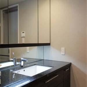 パークホームズ自由が丘(5階,1億4990万円)の化粧室・脱衣所・洗面室