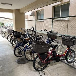 ライオンズマンション亀戸カナメビルの駐輪場