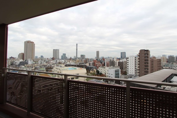ローレルコート新宿タワー8480万円