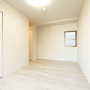 朝日マンション新中野(6階,7980万円)の洋室