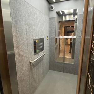 ランドステージ墨田ブライトスクエアのエレベーターホール、エレベーター内