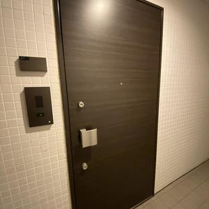 ランドステージ墨田ブライトスクエア(1階,)のフロア廊下(エレベーター降りてからお部屋まで)
