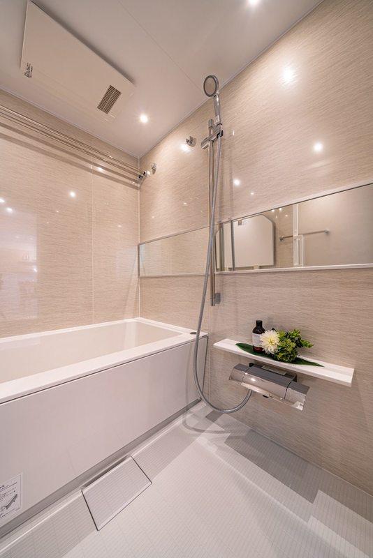 セザール上野毛ガーデン4480万円の浴室・お風呂1枚目